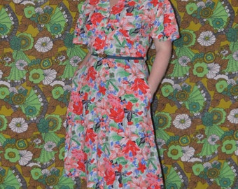 Summer Tropical Print Vintage Cotton Dress Birds and Flowers and Pockets!