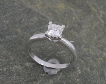 Princess cut Diamond Solitaire Ring in White Gold