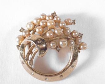Vintage Crown Trifari Rhinestone Faux Pearl Brooch S1309 designer signed Wedding Bridal Prom