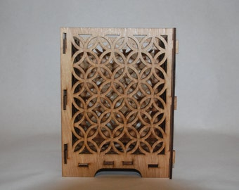 Laser Cut Candle Holder: Overlapping circles