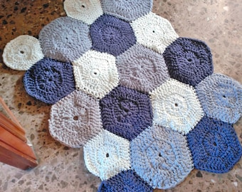 Hexagons-carpet, carpet trapillo, carpet made with hexagons