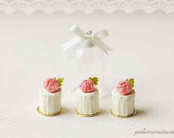 Dollhouse Miniature Food - Vanilla Rose Buttercream Mini Cakes