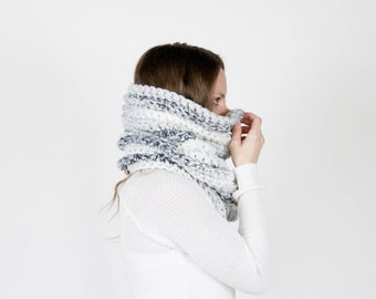 Chunky Knit Cowl Textured Ribbed Cowl Tube Scarf Thermal / THE NOORVIK /Fog