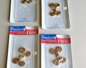 Frog Fasteners/Gold Frog Sewing Fastener/Vintage Sewing Notions/Old Sewing Supplies/Sealed Vintage Frogs