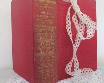 Beautiful gift, The Complete Works of William Shakespeare, antique edition, gold stamped spine, a lovely present