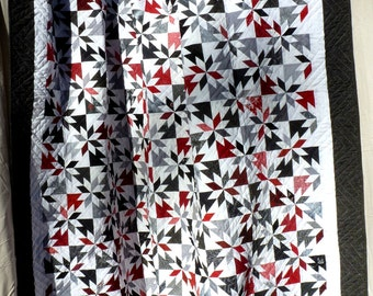 """Handmade Double Bed Hunter's Star Quilt in Red, Black, Gray & White 78"""" X 85"""""""