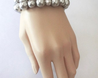 Pearl bracelet ~ Gray ~ Swarovski pearls and Crystals ~ Chunky pearl bracelet ~ 3 strands ~ Statement bracelet ~ Bridal jewelry ~Gift