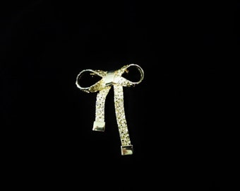 Beautiful Bow Tie Brooch/Pin/Vintage/Goldtone