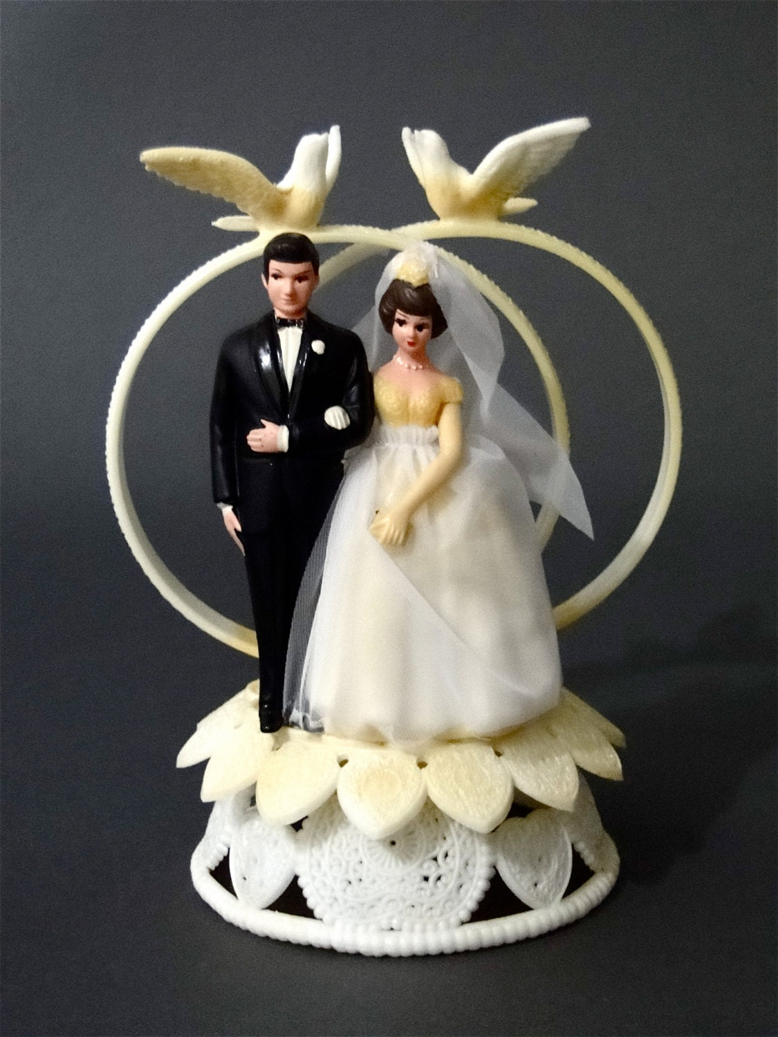 retro wedding cake toppers vintage wedding cake topper and groom 1950 s retro 19202