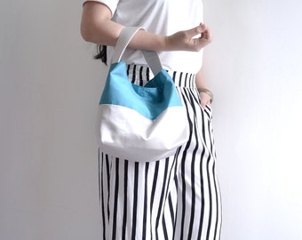 Classic top handle bag. Rudy and Teal color woman shopping bag