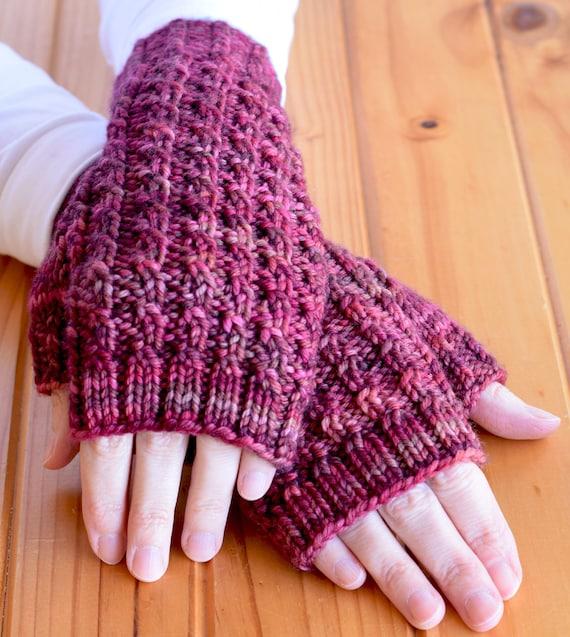 Texting Gloves Knitting Pattern : Textured Rib Knit Texting Gloves Pattern - ARALUEN Fingerless Mitts Knitting ...