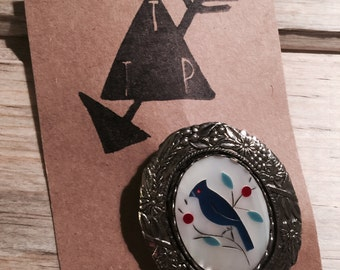 Retro 1980s Silver Bluebird Brooch with Forest Detail