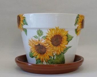 "Handmade Decoupage Terra Cotta Clay Flower Pot, Garden Decor, Azalea Pot, Sunflowers 8.25"""