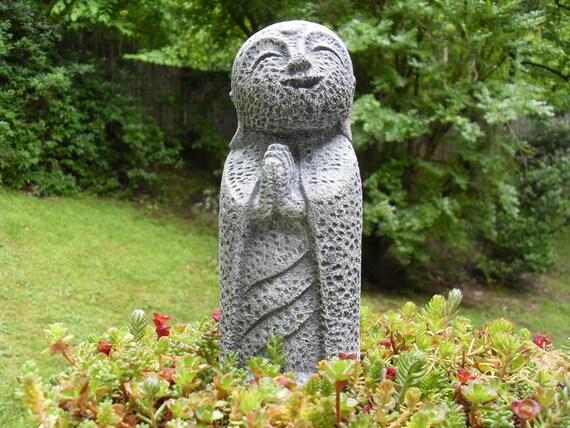 Bouddha de jardin cool fontaine exterieur solaire jardin for Fontaine zen gifi