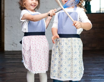 Kids Aprons/ Matching Aprons/ Birthday Party Aprons/ Toddler Cooking Aprons / Kitchen Pinny/ Children Apron Set/ Childrens Kitchen Aprons
