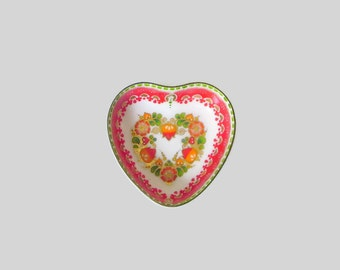 Heart shaped ring etsy for Heart shaped jewelry dish