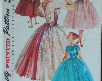 """Dress with Gathered Skirt Sewing Pattern V Back Fitted Bodice/Vintage 1950s Simplicity 1795/Misses Womens Size 12  Bust 33""""/Overskirt"""
