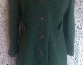 Green Wool Coat with Purple Buttons and Fur Collar 60's