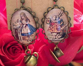 Alice in Wonderland Earrings - Tea with Alice
