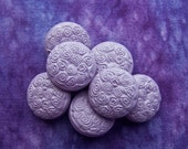Lavender Swirls Buttons, 19mm 3/4 inch - Pastel Purple Sewing Buttons w/ Mini Spirals - 7 VTG NOS Carved Retro Purple Shank Buttons PL312