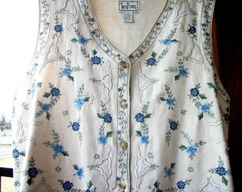 1X Tantrums womens vest XL plus size in creamy white cotton linen blue floral embroidered outerwear clothing for women