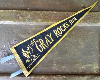 "1940's Gray Rocks Inn 12"" Cloth Banner - Old Original Ski Lodge Collectible"