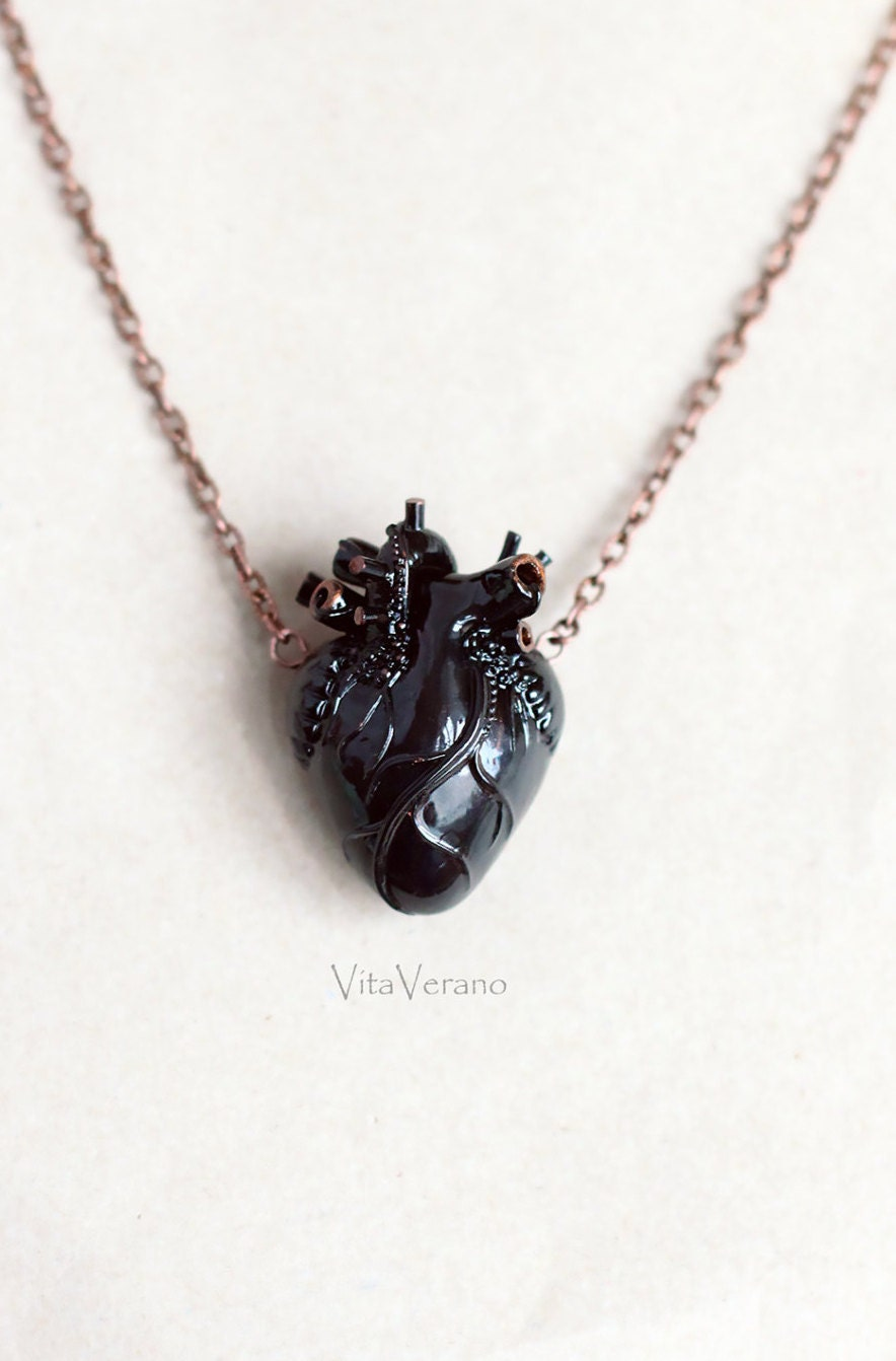 anatomical heart necklace black heart heart pendant vampire. Black Bedroom Furniture Sets. Home Design Ideas