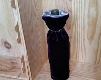 Vintage Violet Velvet gift bag for wine