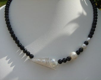 Noble spinel necklace with South Seas Pearl!