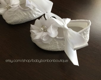 baby baptism shoes, baby crib shoes, baby white shoes, white baby girl shoes, baby baptism shoes, baby flower girl shoes,