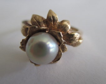 Vintage 14k Yellow Gold Cultured Pearl Floral Ring Size 6.75 - 7