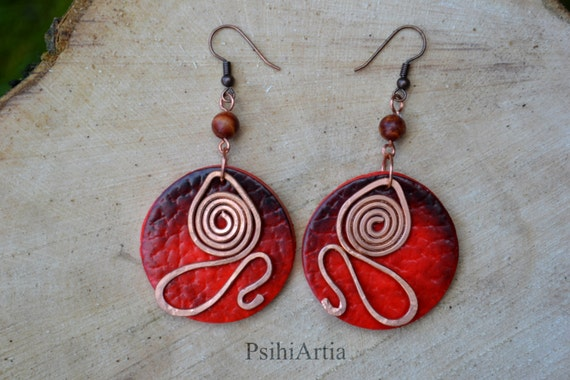 Red dangle earrings Afrocentric earrings Polymer clay jewelry Copper wire earrings Copper wire jewelry Africa earrings Polymer clay creation