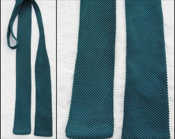 Mans green knit square end thin neck tie