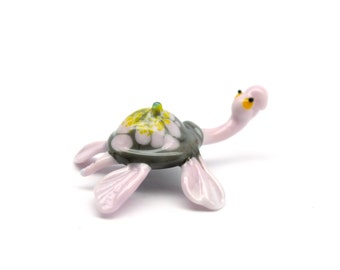 Hand Blown glass turtle figurine Collectible animal figurine reptile sculpture miniature glass turtle