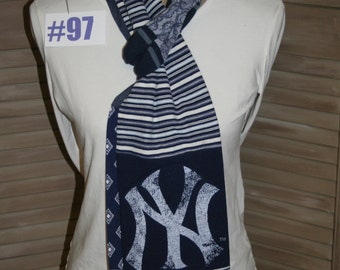 New York Yankee Baseball t-shirt scarf