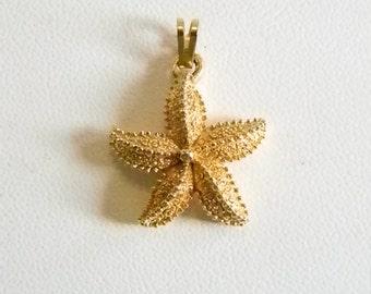 Small Gold Tone MONET Starfish Nautical Pendant Necklace