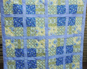 Table Top Quilt Blue Green Yellow Throw Lap Chicory Floral Decorative