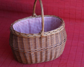 Picnic Basket Red and White Gingham Cloth Lined Woven Basket Handle, Wicker Basket, Housewarming Gift, Rustic Wedding,  Sewing Basket