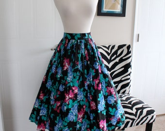 True 1950s Vintage Pinup Full Circle Skirt Size Small