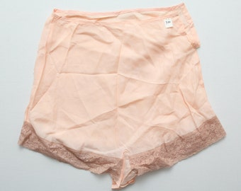 "Vintage 20s / 30s Peach Silk and Lace Lingerie Tap Pants 26"" Waist 37"" Hip"