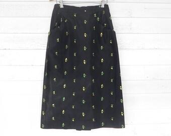 Vintage 1950s Floral Skirt - 50s Embroidered Skirt