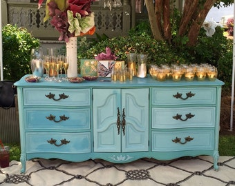 SOLD*****do NOT PURCHASE*****French Provincial Dresser