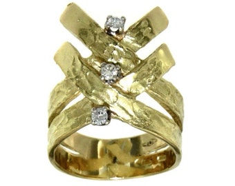 Ring 18 k gold and diamonds