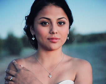 Wedding necklace - dainty bridal necklace - simple wedding necklace - crystal pendant - Idaho necklace