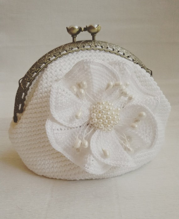 Coin Purse Crochet : Bridal purse Crochet white coin purse metal kiss by CrochetBySirik