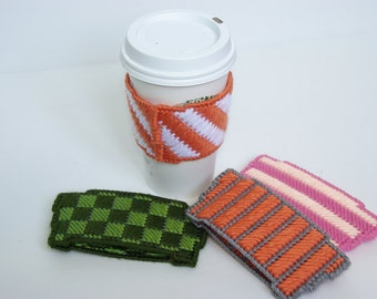 Reusable coffee cozy for to go coffee cups - Plastic canvas and wool coffee cozy