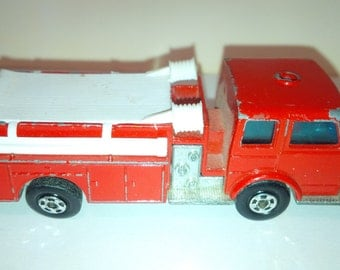 Vintage Lesney Matchbox Diecast Car : No. 29 Fire Pumper Truck Red SUPERFAST Wheels 1969 Good Condition Made In England