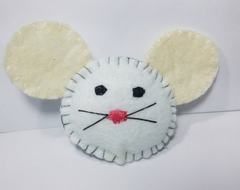 felt white cute mouse brooch