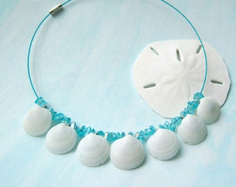Beach Wedding Necklace White Seashell Wedding Necklace Boho Wedding Beach Wedding Jewelry Sea Shells Wedding Mermaid Wedding Necklace