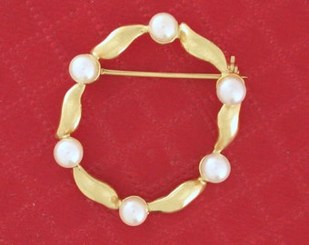 Vintage Pearl Circle Eternity Pin / Brooch vintage circa 1962 - PENCOL10031